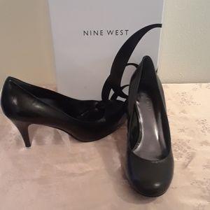New in Box Size 6 Nine West Black Heels